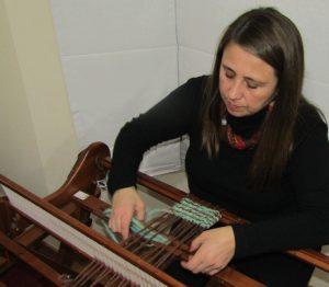 Paola Pavez Alvarez (Telarista Profesional, artesana y Orfebre)